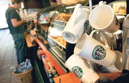 DILJEM svijeta ima ukupno tri tisuće poslovnica Starbucksa