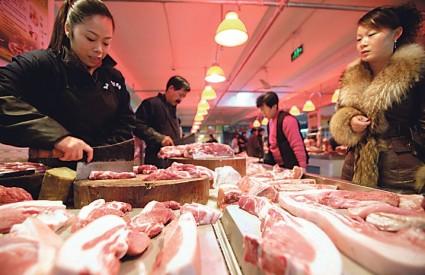 SVINJETINA je u Kini u studenome poskupjela za 50 posto