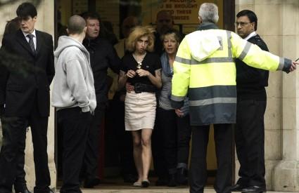 Amy Winehouse se nedavno pojavila na samom kraju suđenja njezinu suprugu, jedva stojeći na nogama
