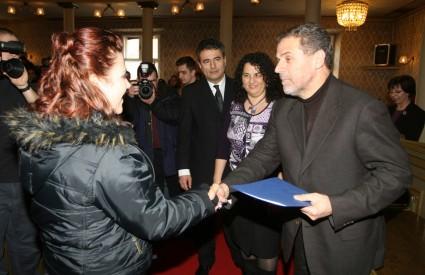 Stipendije je osobno uručivao gradonačelnik Bandić
