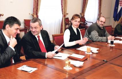 VESNA PUSIĆ želi biti potpredsjednica, a SDP je ta mjesta namijenio Ž. Antunović i N. Mimici