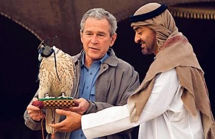 MILIJUNI dolara šalju se iz Teherana teroristima diljem svijeta, dok iranski narod živi pod represijom, tvrdi Bush