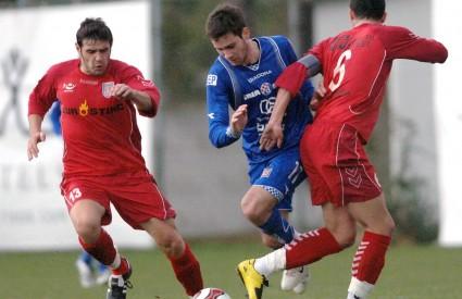 Josip Tadić zaigrao je od prve minute, no nije uspio pronaći put do rumunjske mreže