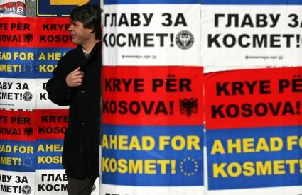 U Srbiji, gdje traje kampanja za drugi krug predsjedničkih izbora, Kosovo je Tomislavu Nikoliću i Borisu Tadiću glavna tema