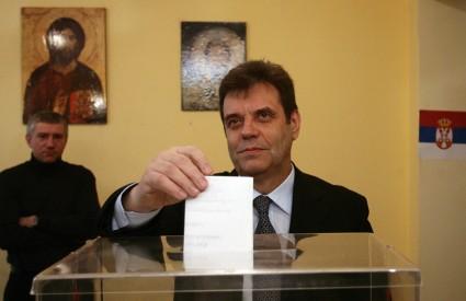 Podrška srbijanskog premijera, koji je u prvom krugu stao uz Velimira Ilića, mogla bi biti odlučujuća pri izboru predsjednika