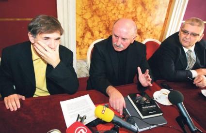 POLITIČKI neistomišljenici zauzeli su se kod Mesića za Glavaša