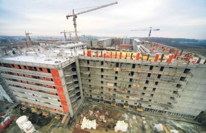 Ove će godine stambena izgradnja u Zagrebu doživjeti promjenu - stambene projekte razvijat će i strane tvrtke. Dolazak stranih razvojnih građevinskih kompanija u stambenom sektoru za Poslovni dnevnik potvrdili su u Colliersu Hrvatska.