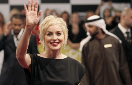 Sharon Stone prva se pridružila kolegi Georgeu Clooneyju u iskazivanju podrške Srbiji