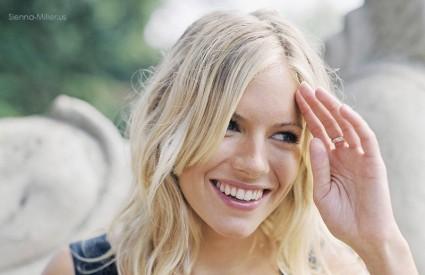 Glumica je tužila fotografa zbog golišavih fotografija