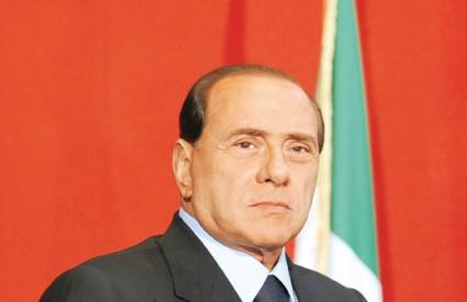 Prema dosadašnjim anketama, na izborima koji bi se trebali održati u travnju najviše izgleda za pobjedu ima Berlusconi