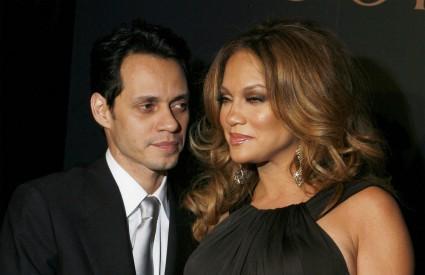 Jennifer Lopez postavila je rekord u industriji zabave: magazin People će isplatiti 6 milijuna dolara za prve slike blizanaca