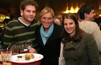 Boris, Janica i Ana opuštali su se u Gradskoj kavani