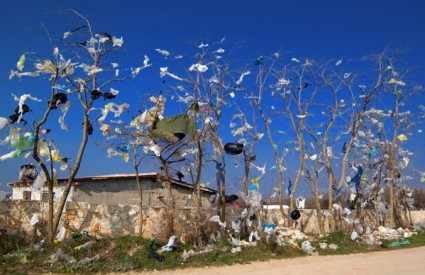 Plastične vrećice će nas zagušiti