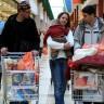 Petina Hrvata kupuje preko granice