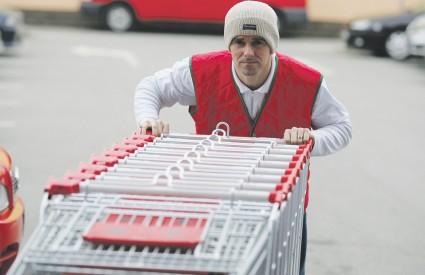 Više od 65 posto ukupnog novca potrošenog u lancima otpada na supermarkete, od kojih je Konzum kupcima najpoznatiji