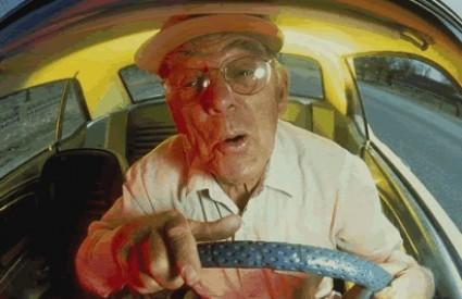 Stariji za volanom