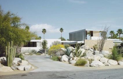 Kuća je smještena u Palm Springsu, a u svibnju će biti ponuđena za 25 milijuna dolara