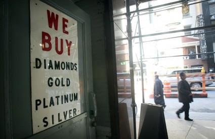 Cijene zlata toliko su porasle da građani SAD-a prodajom nakita mogu otplatiti manje kredite ili riješiti kakav drugi problem