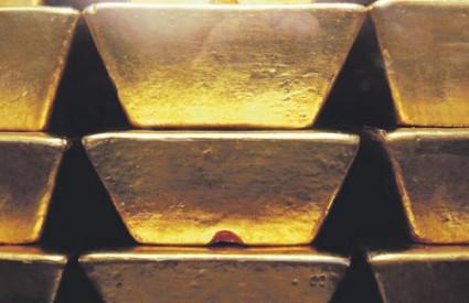 Pod utjecajem nestabilnog tržišta, plemenitim kovinama od lani neprekidno raste vrijednost