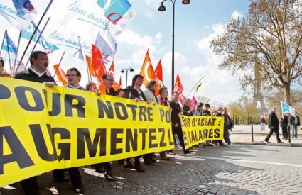 Francuski sindikati prosvjedima traže povećanje plaća