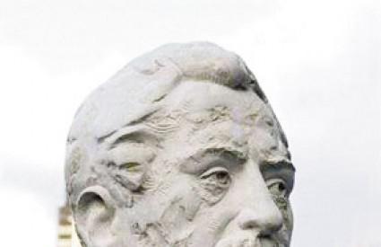 Dar slavnog kipara