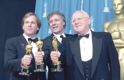 Branko Lustig jedan je od najznačajnijih filmskih producenata današnjice i jedini čovjek iz Hrvatske koji je osvojio dva Oscara. Za film Schindlerova lista redatelja Stevena Spielberga kipić je dobio 1994., a za Gladijatora Ridleyja Scotta 2001. godi