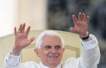 Papa će slati SMS-e