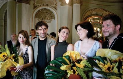 Nagrađeni umjetnici Alma Prica, Milan Pleština, Milka Hribar, Bartolović, sopranistica Adela Golac i tenor Krešimir Špricer