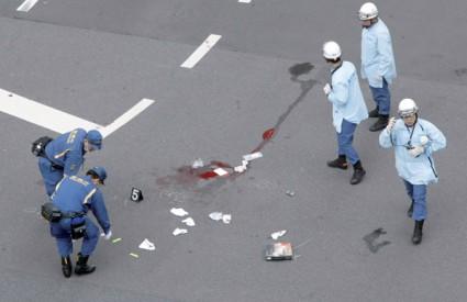 Tomohiro Kato nasumce je napadao ljude, a kada ga je policija uhitila rekao je da je to učinio jer mu je 'više dosta života'