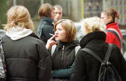 Popularna djeca puše više od nepopularne
