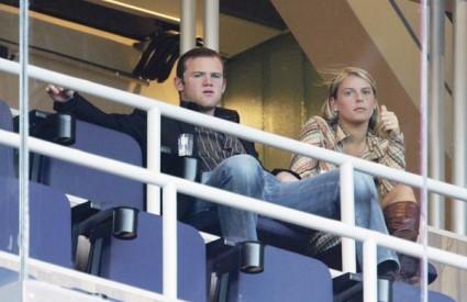 Rooney i Coleen zajedno su šest godina, a britanski je mediji nazivaju antipatičnom djevojkom najružnijeg nogometaša