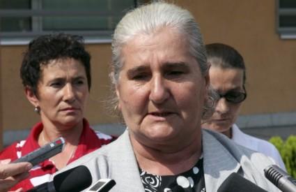 Munira Šubašić daje izjavu nakon presude