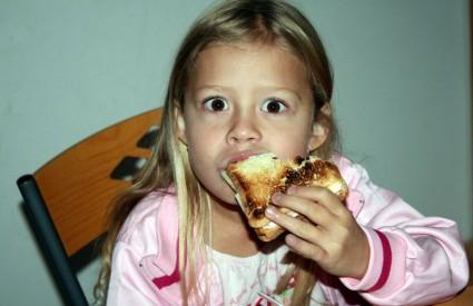 Djetetu morate napraviti pauzu između obroka