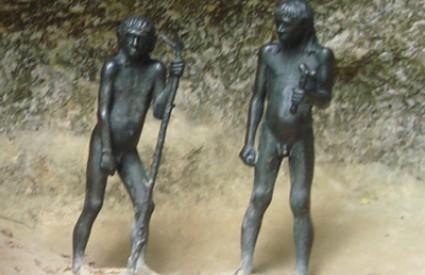 Moderni ljudi ipak nisu istrijebili neandertalce