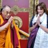 Carla Bruni - Sarkozy družila se s Dalaj lamom