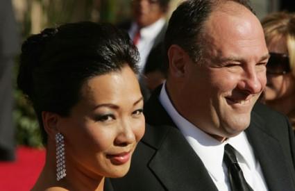 Deborah Lin i James Gandolfini