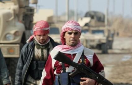 Pripadnici CLC-a (Zabrinuti lokalni građani) i sunitske milicije pomažu Amerikancima protiv Al Qaide u Iraku