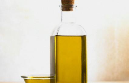 Maslinovo ulje sjajno je za zdravlje kose