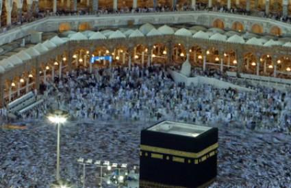 Milijuni se slijevaju u Meku