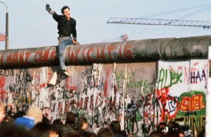 Zid je 28 godina dijelio Berlin na istočni i zapadni dio
