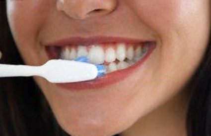 Redovno pranje zuba spasit će vas brojnih bolesti