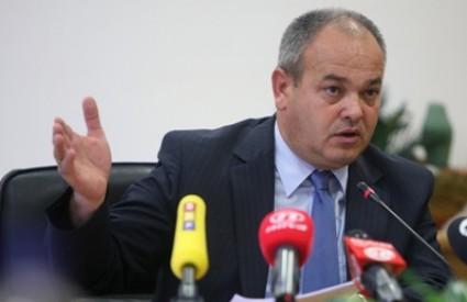 Gradonačelnik Slavonskog Broda Mirko Duspara proziva županijske čelnike jer nisu informirali građane o onečišćenjima