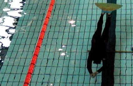 Zagrebački zatvoreni bazeni rade