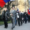 Slovenske radikalne skupine prijete referendumom