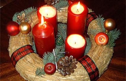 Adventski vijenac obavezan je ukras svakog stola