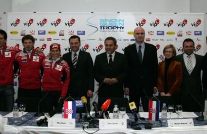 Skijaški savez i organizacijski odbor na novinskoj konferenciji
