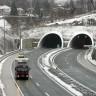 Snijeg i bura otežavaju promet