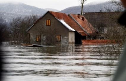 Poplave ponovno prijete ličkom Kosinju