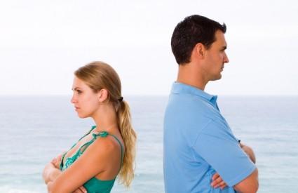 Muškarci lošije nastavljaju život nakon razvoda