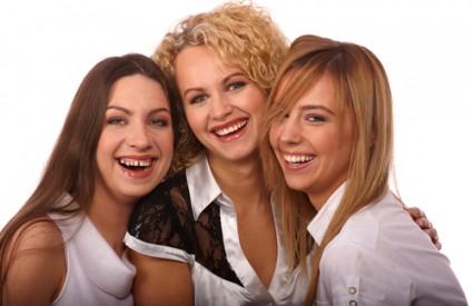 Žene se međusobno surovo natječu